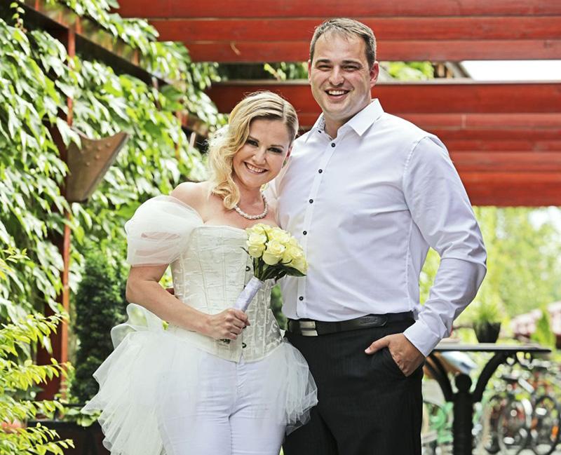 "SVADBA - Zuzana Haasová (herečka – postava Soni, zo seriálu ""Panelák"")"
